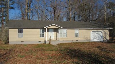 Suffolk Single Family Home For Sale: 9017 Jasmine Ln