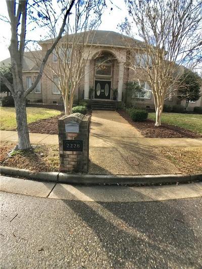 Virginia Beach Single Family Home For Sale: 2228 Souverain Ln