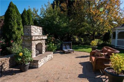 Virginia Beach Single Family Home For Sale: 2304 Souverain Ln