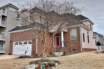 Norfolk Single Family Home For Sale: 9632 Dolphin Rn
