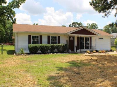 Suffolk Single Family Home For Sale: 5048 Townpoint Rd