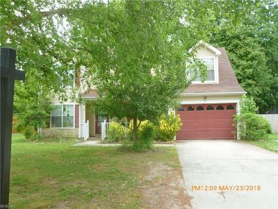 Suffolk Single Family Home For Sale: 103 Tournament Ct