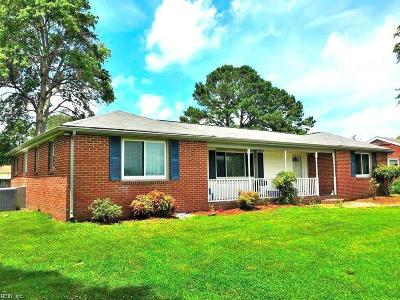 Suffolk Single Family Home New Listing: 5565 Bennetts Pasture Rd
