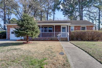 Portsmouth Single Family Home New Listing: 16 Kennedy Dr