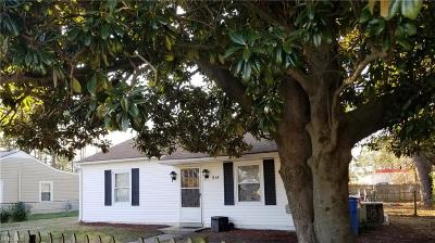 Chesapeake Single Family Home New Listing: 914 Bounds Ave