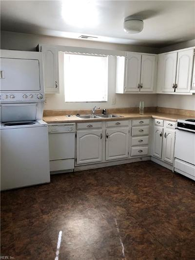 Norfolk Single Family Home New Listing: 1824 Parkview Ave