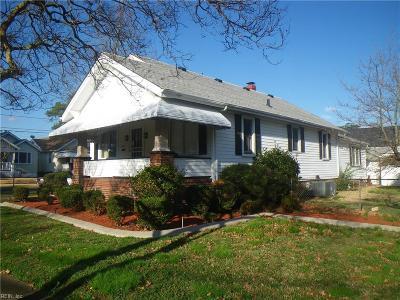 Norfolk Single Family Home New Listing: 900 Oakwood St
