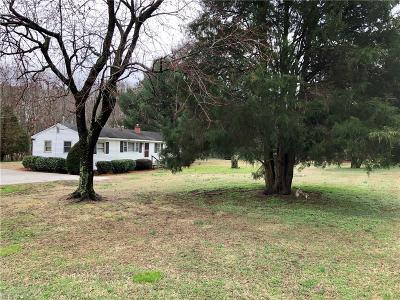 Chesapeake Single Family Home New Listing: 1163 Hillwell Rd