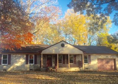 Chesapeake Single Family Home New Listing: 609 Lovegrove Ave