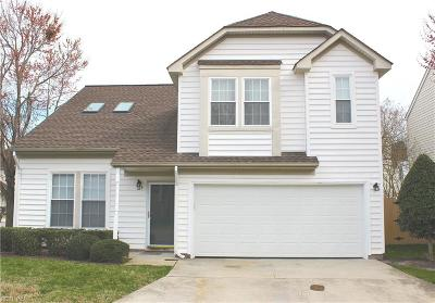Chesapeake Single Family Home New Listing: 329 Oak Lake Ter