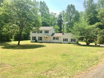 Gloucester Single Family Home For Sale: 7042 Short Ln