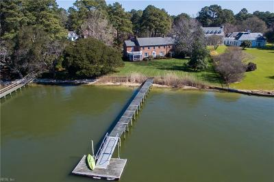 Norfolk Single Family Home For Sale: 7315 Camellia Ln