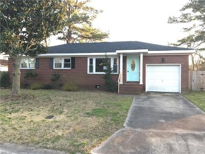 Chesapeake Single Family Home For Sale: 460 Plummer Dr