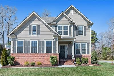Suffolk Single Family Home For Sale: 1925 Governors Pointe Dr Dr