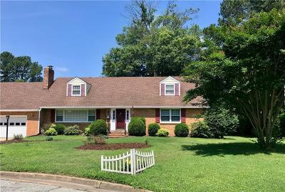 Hampton Single Family Home For Sale: 341 Wrexham Ct