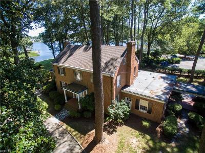 Virginia Beach Single Family Home For Sale: 128 Pinewood Rd