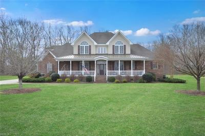Suffolk Single Family Home For Sale: 205 Bridlewood Ln