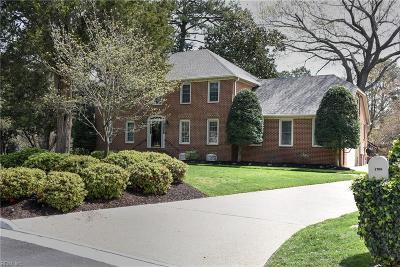 Virginia Beach Single Family Home For Sale: 1709 Lovetts Pond Ln