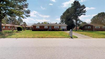 Suffolk Single Family Home For Sale: 814 Seminole Dr