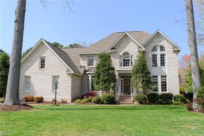 York County Single Family Home For Sale: 203 Chinquapin Orch