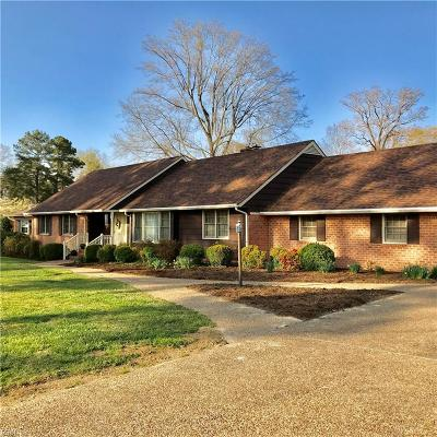 Suffolk Single Family Home For Sale: 1328 River Rd