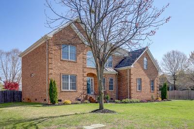 Chesapeake Single Family Home For Sale: 104 Avonlea Dr