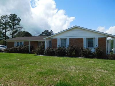 Suffolk Single Family Home For Sale: 5517 Cavalier Rd