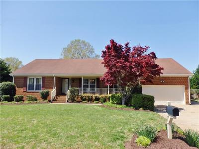 Virginia Beach Single Family Home New Listing: 933 Lindsley Dr