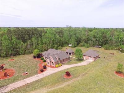 Suffolk Single Family Home For Sale: 5330 Quaker Dr