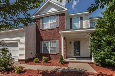 Hampton Single Family Home New Listing: 226 Kove Dr