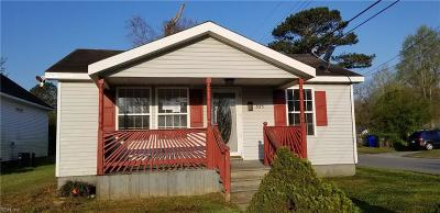 Suffolk Single Family Home New Listing: 325 Ben St