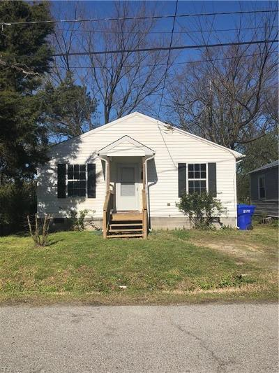 Suffolk Single Family Home New Listing: 753 Oxford St