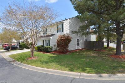 Suffolk Single Family Home New Listing: 215 Rockwood Pl