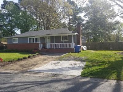 Chesapeake Single Family Home New Listing: 906 Carolyn Dr