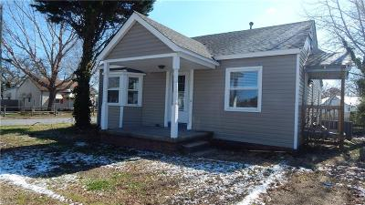 Portsmouth Single Family Home New Listing: 110 Bolling Rd