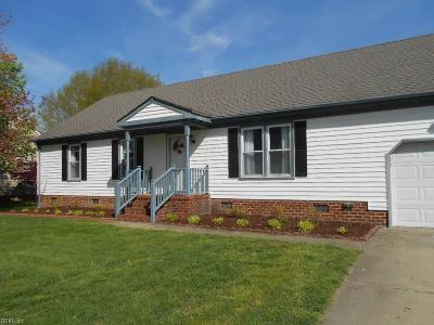 Chesapeake Single Family Home New Listing: 812 Pleasant Way