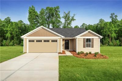 Suffolk Single Family Home New Listing: 2568 Golden Maple Dr