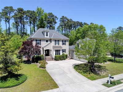 Suffolk Single Family Home For Sale: 409 Hastings Pl