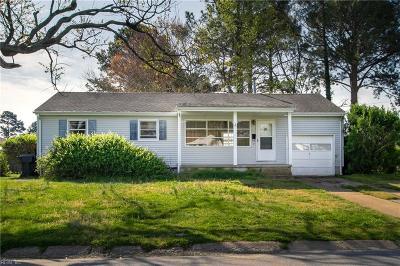 Virginia Beach Single Family Home New Listing: 220 Applewood Ln