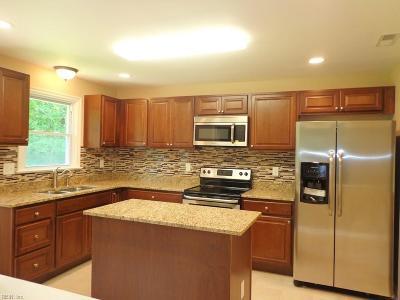 Virginia Beach Single Family Home New Listing: 3944 N Landing Rd