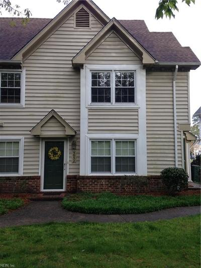 Chesapeake Single Family Home New Listing: 305 Wimbledon Chse #J