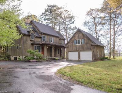 Suffolk Single Family Home New Listing: 101 Clover Ln