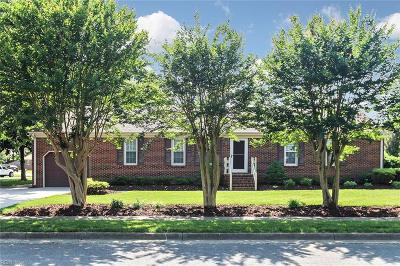 Chesapeake Single Family Home For Sale: 1232 Grenadier Dr