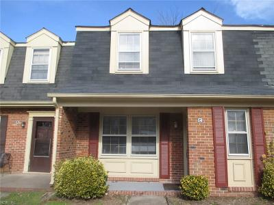 Newport News Single Family Home New Listing: 400 Advocate Ct #C