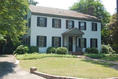 Norfolk Single Family Home For Sale: 7624 Maury Arch
