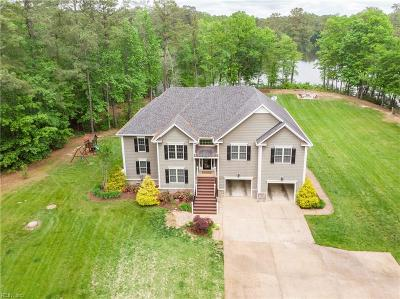 Suffolk Single Family Home For Sale: 1120 Lake Meade Dr