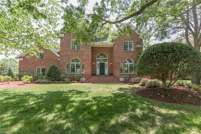 Norfolk Single Family Home For Sale: 1421 S Veaux Loop