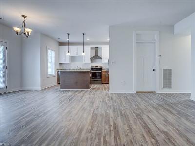Norfolk Single Family Home For Sale: 7922 Shore Dr #214