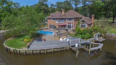 Virginia Beach Single Family Home For Sale: 709 Bobolink Dr
