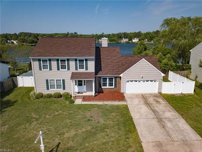 Chesapeake Single Family Home For Sale: 601 Creekwood Dr